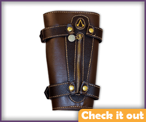 Edward Kenway Costume Leather Vambrace.