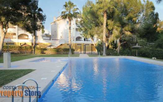 top floor 2 bed apartment in Los Dolses