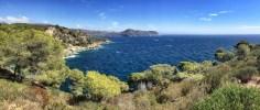 Eine Bucht ist herrlicher als die andere - durch das ständige Auf und Ab zieht sich der Weg aber auch in die Länge