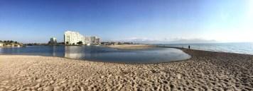 In direkter Nachbarschaft zu den Hotelburgen von Empuriabrava beginnt ein einsamer Küstenabschnitt