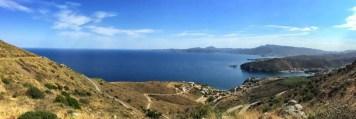 Der höchste Punkt von Etappe 1 bietet eine spektakuläre Aussicht auf das vor uns liegende Cap de Creus