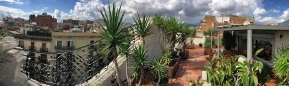 wunderschöne Dachterrasse auf einem Jugendstil-Gebäude in Barcelona