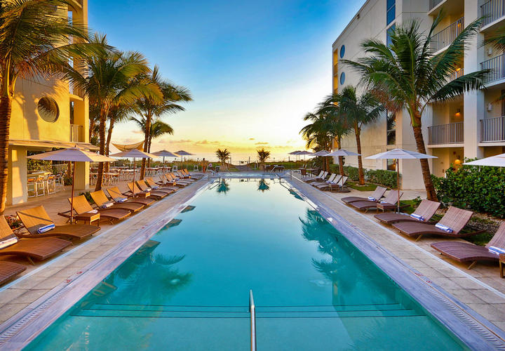 lounge chair outside high quality office chairs ergonomic resort pool | vero beach things to do costa d'este