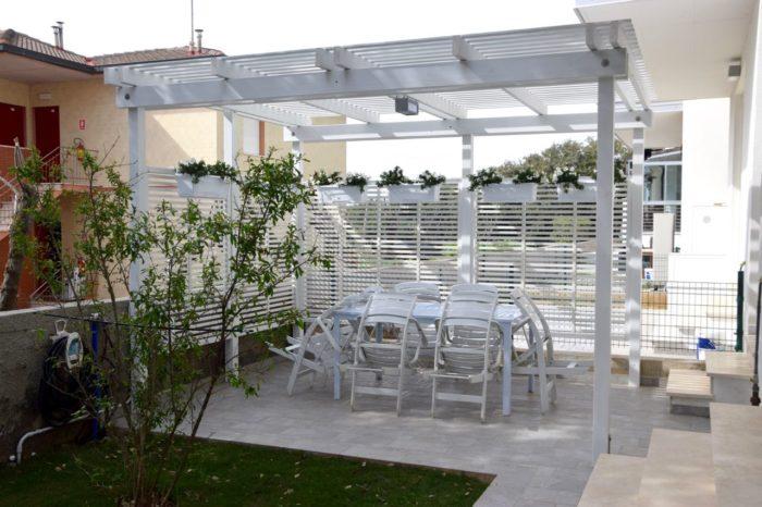 San Vincenzo, nuovo appartamento vacanza (trilocale) con giardino