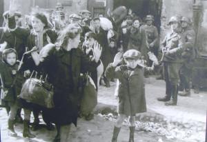 ghetto-ebraico-di-varsavia-nazisti-1943