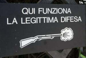 22-legittima-difesa-grigio-con-schioppo
