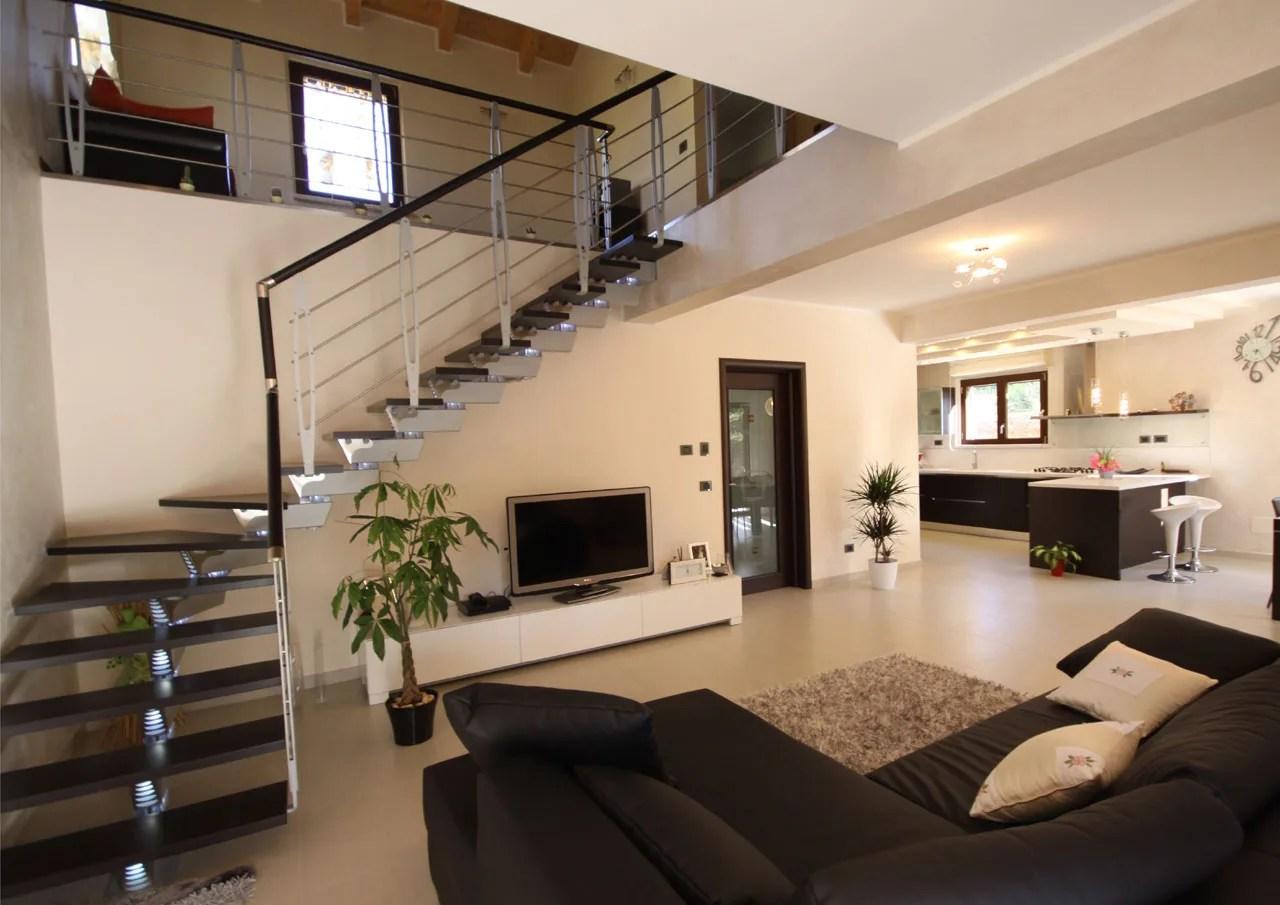 Casa a due piani  LAquila  Abruzzo  Costantini Sistema Legno