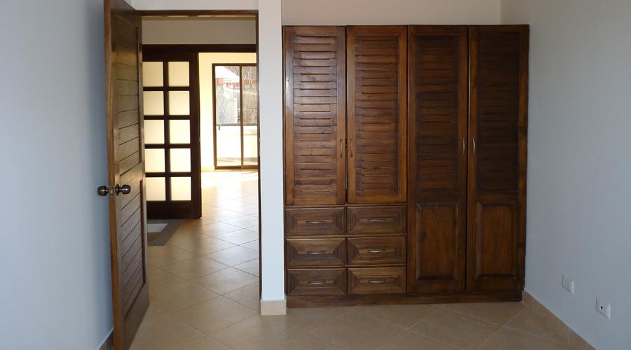 Costa Rica Immobilier  Condo Firesale 1 appartement neuf en rsidence garde sold  moiti prix