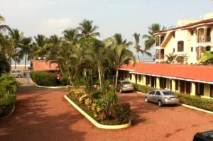 Clarita's Beach Hotel 3