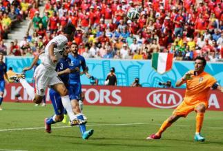 Italy-v-Costa-Rica bryan ruiz goal