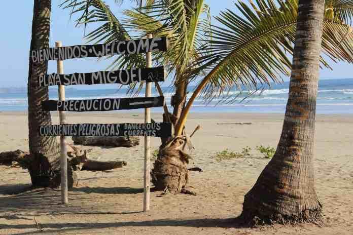 sign in costa rica