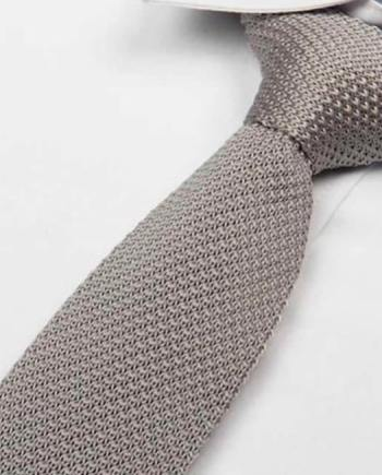 cravate tricot gris clair maille cravate italienne
