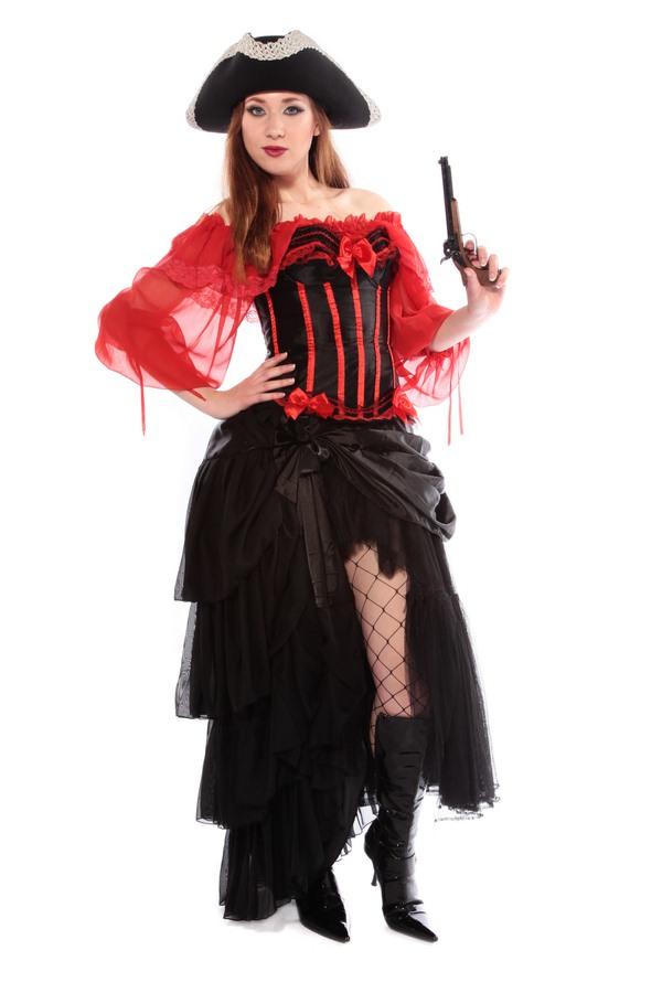Burlesque pirate woman alt
