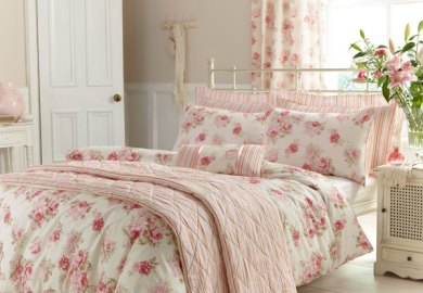 White And Pink Floral Bedding