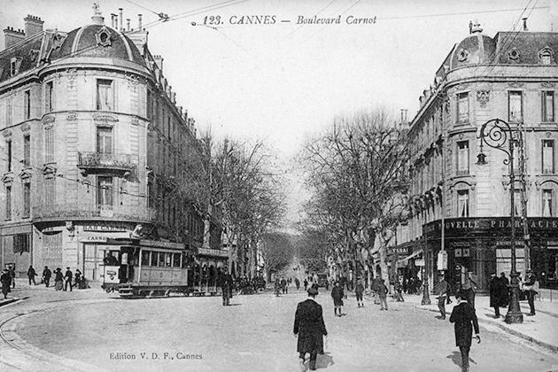 Parcours pédestre à Cannes. Boulevard Carnot