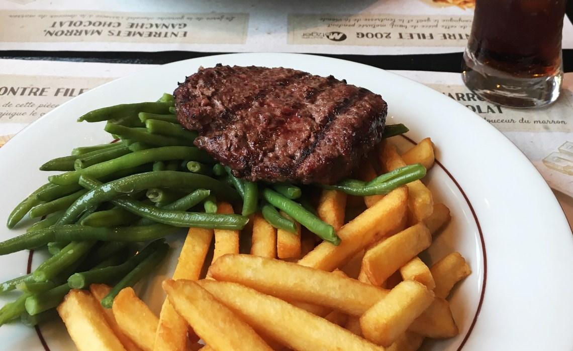 courtepaille steakhouse mit non-stop service