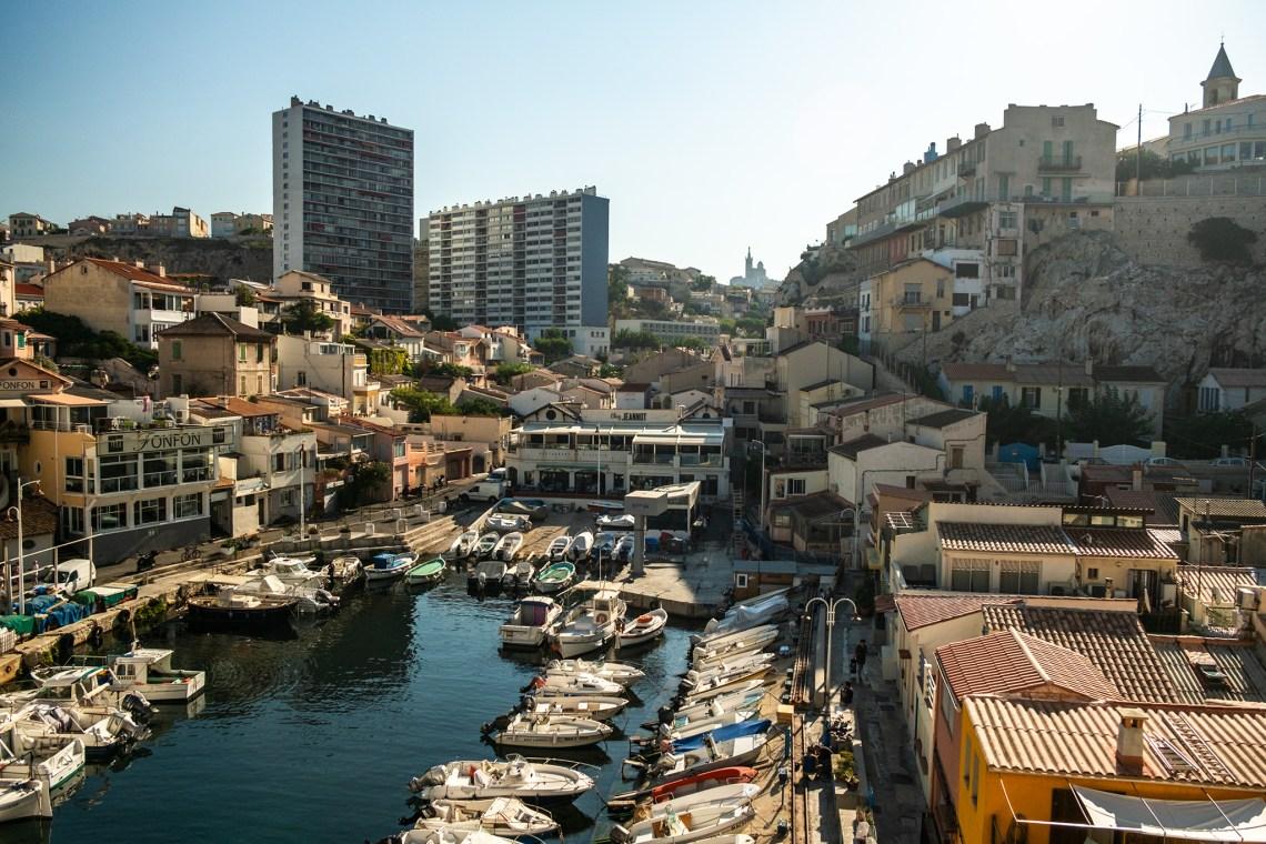 ein kleiner traditioneller Fischereihafen in Marseille