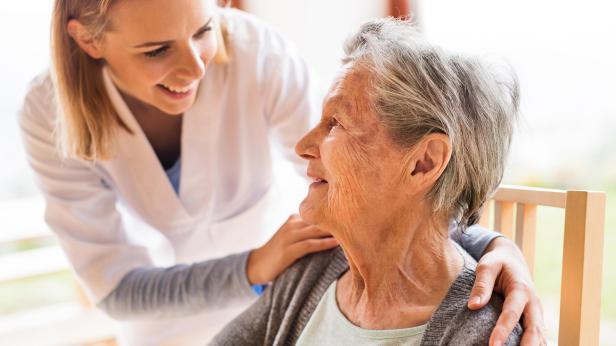 Risultato immagini per cuidadores de personas