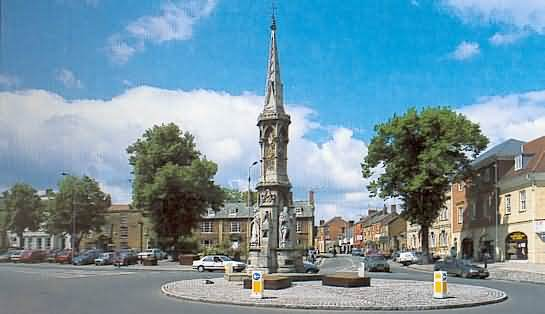 The Banbury Cross. Image via Cotswolds.info.