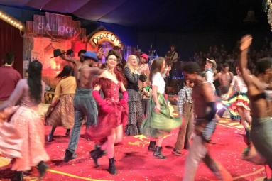 giffords-circus-painted-wagon-cotswolds-concierge (3)
