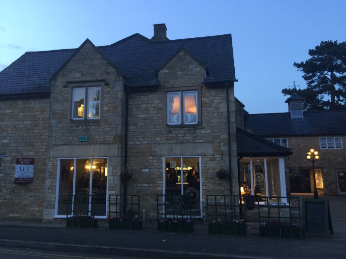 opening-the-tea-set-broadway-cotswolds-concierge (20)