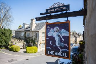 angel-burford-manor-cottages-guests