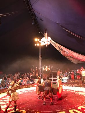 giffords-circus-any-port-in-a-storm-cotswolds-concierge (18)