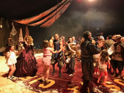 giffords-circus-any-port-in-a-storm-cotswolds-concierge (6)