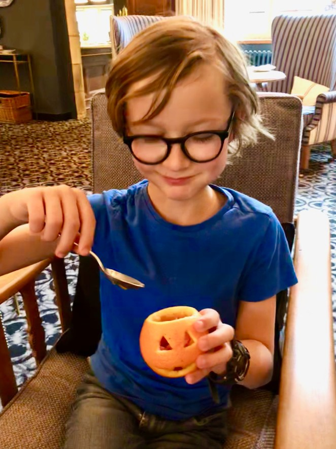 halloween-afternoon-tea-lygon-arms-cotswolds-concierge (23)
