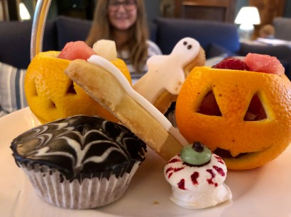 halloween-afternoon-tea-lygon-arms-cotswolds-concierge (9)