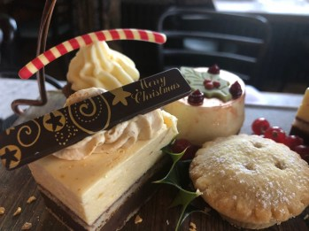 festive-afternoon-tea-eynsham-hall-cotswolds-concierge (11)