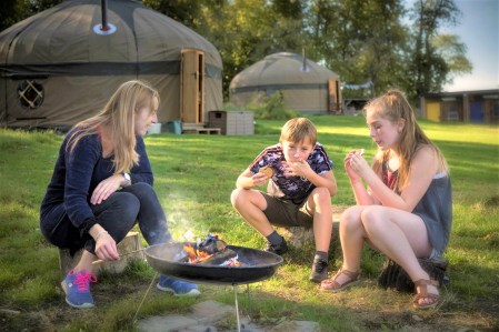 campden-yurts-chipping-campden-cotswolds-concierge (5)