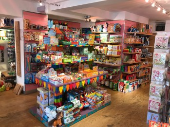 """""""There is nothing ordinary about Rikki Tikki in Broadway. This is a toy shop that takes great toys and educational learning to another level. We love it, our kids love it... you and yours will too"""". Mette ♡"""