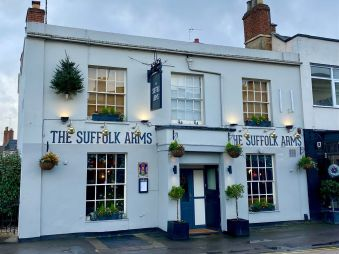 the-suffolk-arms-cheltenham-cotswolds (1)