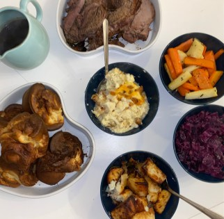 family-sunday-lunch-takeaway-suffolk-arms-cotswolds-concierge (15)