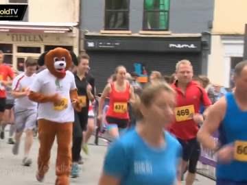 Eddie the Dogs runs Half Marathon for CDCH