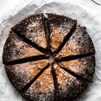 Easy Chocolate Christmas Cake {Vegan, Paleo}