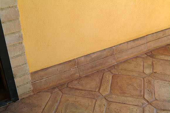 Battiscopa in cotto  Zoccolo per pavimenti in cotto  Bordo pavimento