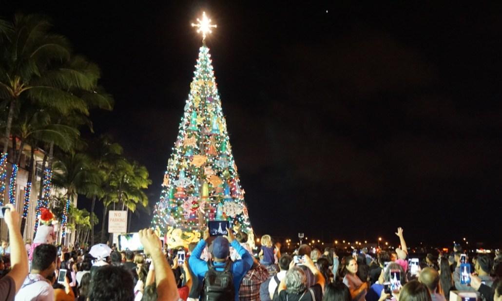 Kapolei City Lights 2017 – Kymberly Marcos Pine