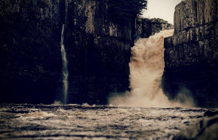 Luz de Maria –不服從的河流