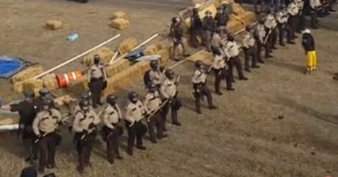 line-of-dapl-cops