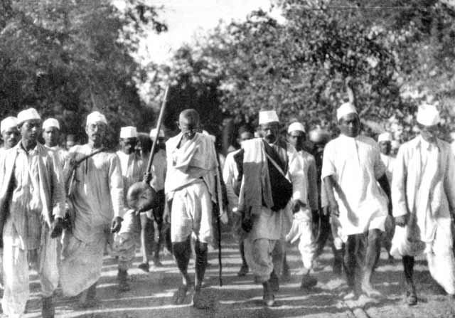 salt-march-mahatma-gandhi