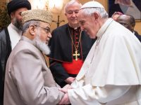 Pope Francis Meets 4 Imams To Open A Christian-Muslim Dialogue