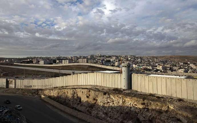 israel-apartheid_wall_2