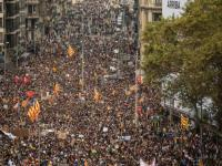 200,000 Protest Jailing of Catalonian Nationalist Leaders in Barcelona