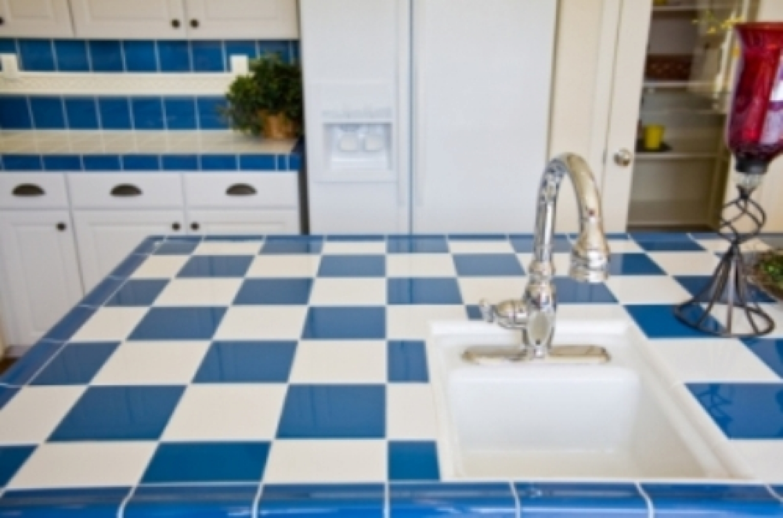 Tile countertops cost installed plus pros and cons of for Porcelain countertops cost
