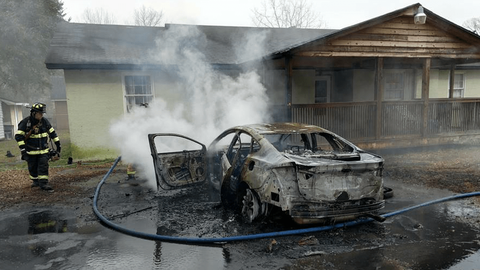 Vehicle fire_1550257680270.png.jpg