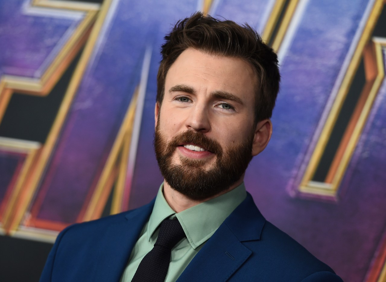 Chris Evans Uses Accidental Nude Photo To Urge Americans