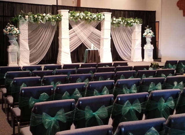 simply elegant chair covers and linens desk goes down wedding backdrops, backgrounds, decorations, columns.