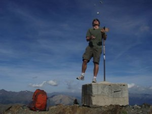 Juggling five rocks on the summit